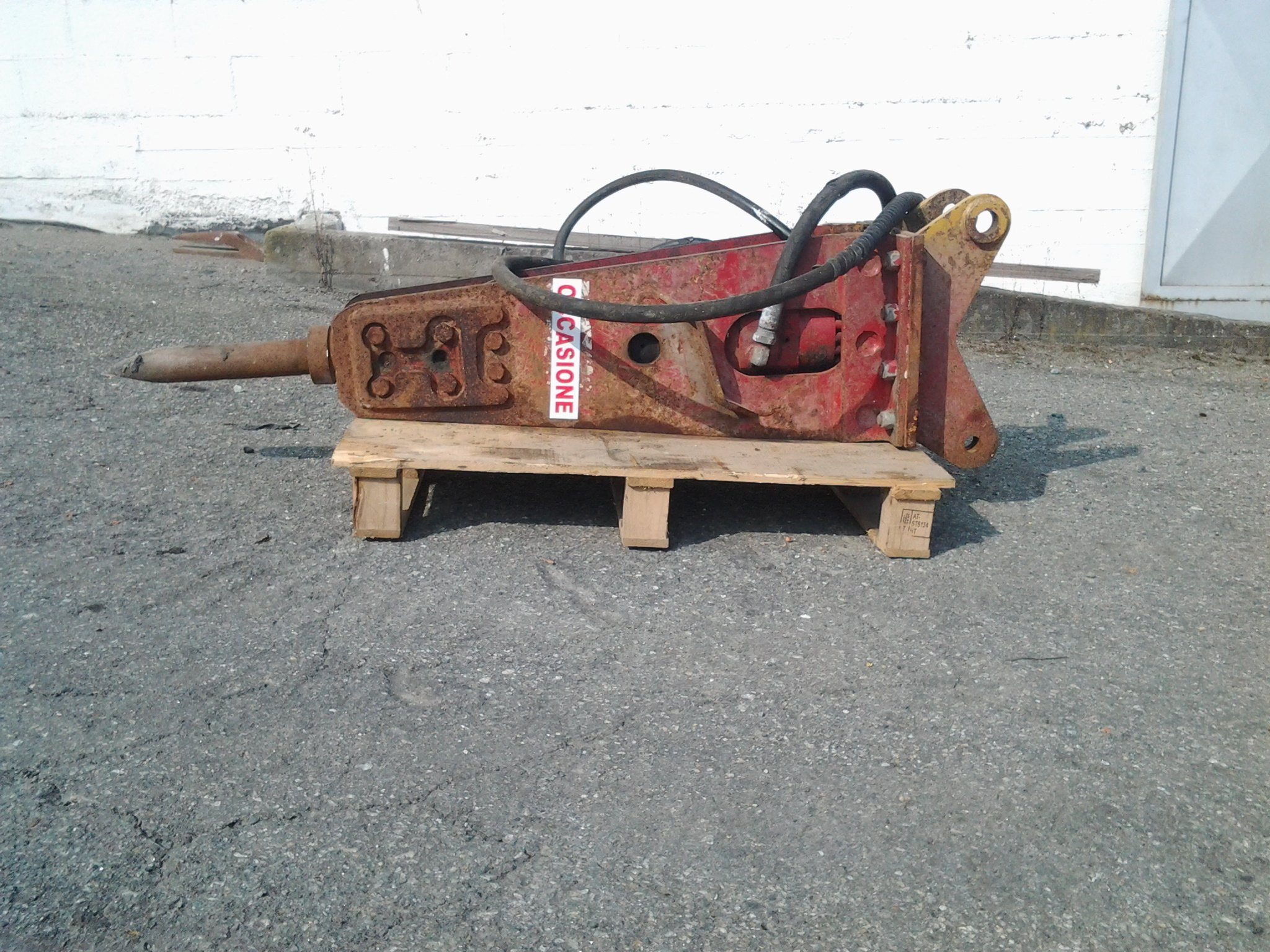 MARTELLO DEMOLITORE Socomec cl.240Kg per terna o escavatore 35/50 q.li – Cod. Rif. U324