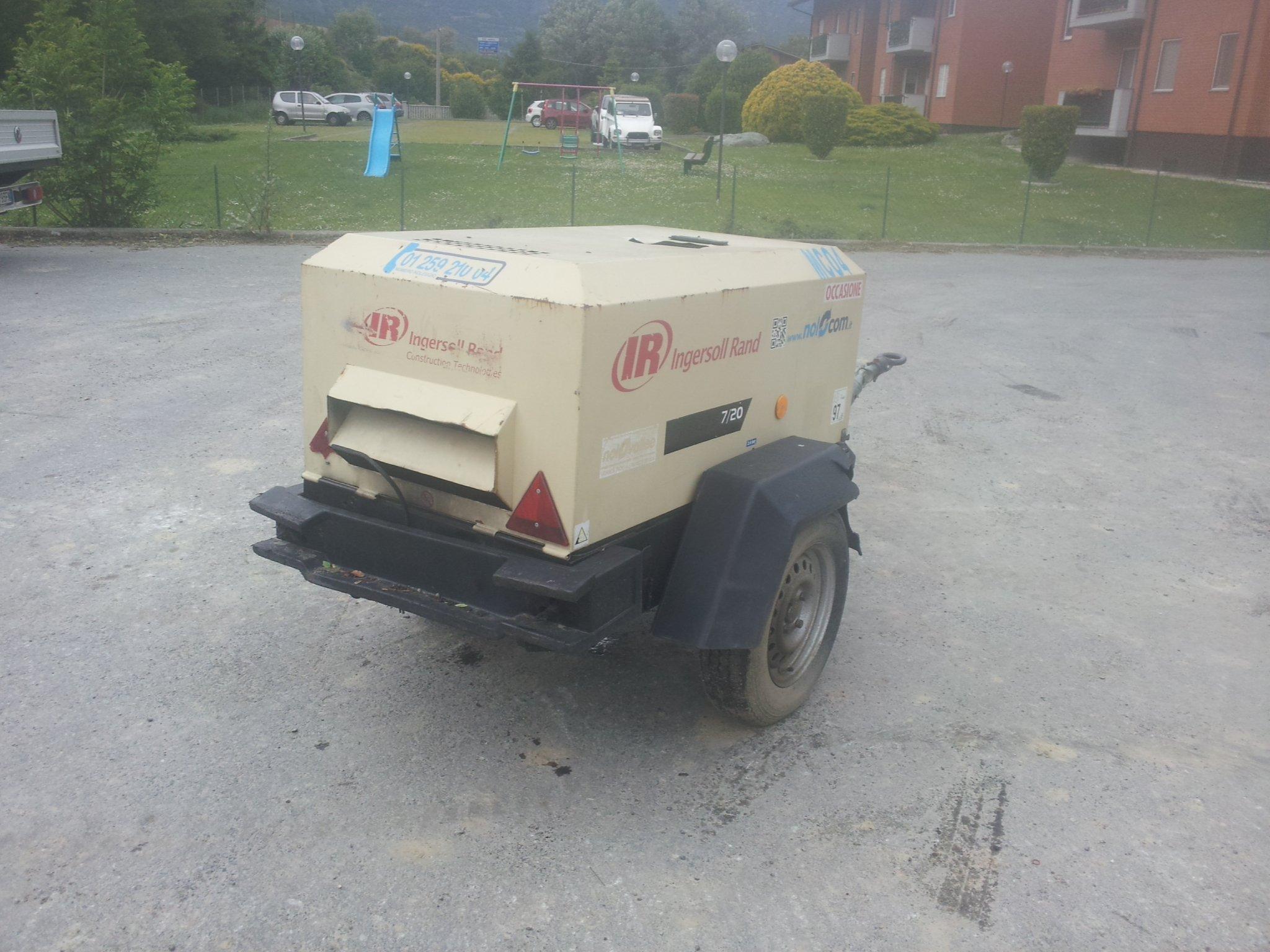 UEXMC004 – MOTOCOMPRESSORE 7/20 2100 Lt