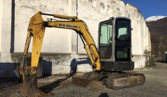U474 – Escavatore usato New Holland E30.2C